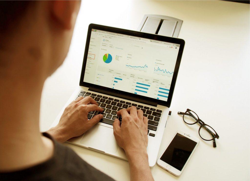 Contrato digital ajuda pequenos e médios negócios